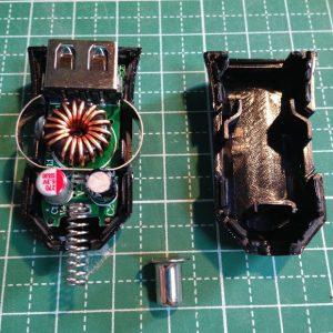 ダイソーUSB充電シガープラグ分解